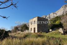 GRADAC; Old detached stone house